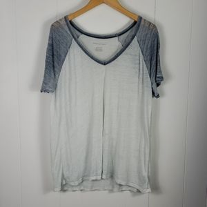 ❄ American Eagle : Burnout Tee